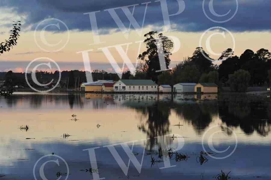 Lake Wendouree 20jpg
